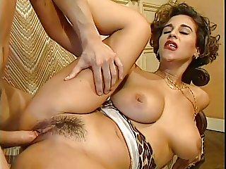 very very VERY hot italian babe