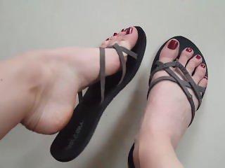 lisas feet Pretty Feet in Flip Flops