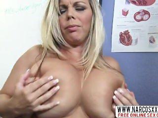 Placid Mom Kortney Kane In Stockings Needs Perfect Sex