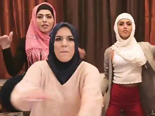 MUSLIM HEN PARTY B4 ARRANGED MARRIAGE, TWERKING, THEN THE STRIPPER ARRIVES!