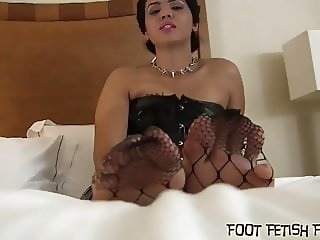 I have a hot little foot fetish treat for you