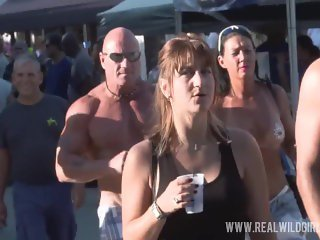 Sexy Naked Street Flashers Uncensored
