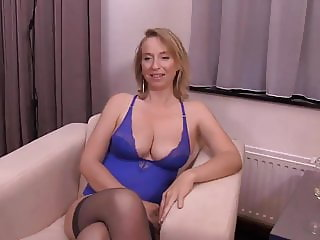 Sexy ass salope blond