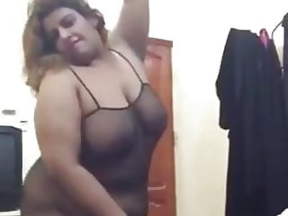 Cheap Saudi BBW Bitch Whore showing her Body for Men on Cam
