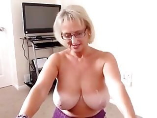 British milf gives a blowjob and gets a nice cumshot on tits