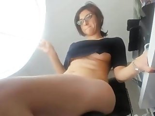 Canadian Mom Show Her Big Ass on Snapchat