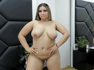 Cam Girls - Amazing big tit curvy latina