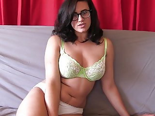 You will cum hard for a stunning mistress like me JOI