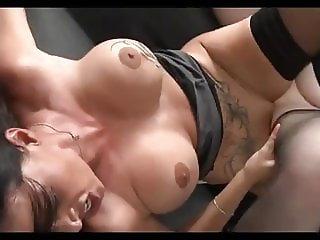 Ukrainian Anna  v English Cheryl Sexfight